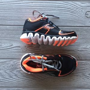 Reebok Shoes - NIB Box Reebok Ziglite Black Vitamin Boy Kids SZ11 61d2ca818